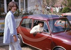 vintage everyday: Unseen Pictures of The Beatles on the Day Paul McCartney Formally Quit the Band in 1968