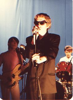 Richard Butler fronts the Psychedelic Furs