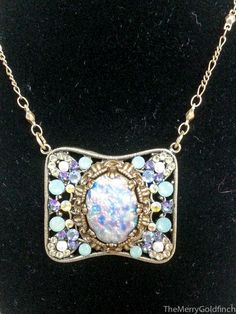 Necklace-