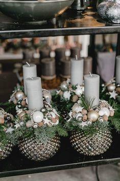 Christmas Hacks, Christmas Art, Beautiful Christmas, Christmas And New Year, Christmas Holidays, Christmas Wreaths, Christmas Is Coming, Christmas Ornaments, Xmas Flowers