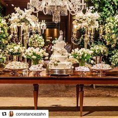 Casamento com a nossa decoração no blog da @constancezahn  #Repost @constancezahn with @repostapp ・・・ Para atender ao pedido dos noivos, @marianabassiflores criou uma decoração clássica em verde e branco, com rosas, tulipas e orquídeas!🌿🍃🌿No site tem mais detalhes do #casamento: www.constancezahn.com💻{📷Felipe Rezende } #wedding #casamentoclassico #CZSaoPaulo