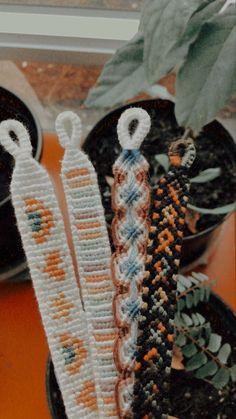 String Bracelet Patterns, Diy Bracelets Patterns, Yarn Bracelets, Embroidery Bracelets, Summer Bracelets, Cute Bracelets, Bracelet Designs, Diy Friendship Bracelets Tutorial, Diy Friendship Bracelets Patterns