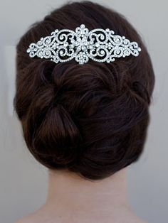"""Bella"" Hair Comb by Hair Comes the Bride for back of head with big diva hair & simple veil."