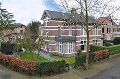 Koningslaan 28, Bussum. Geweldig speelse bouwstijl.
