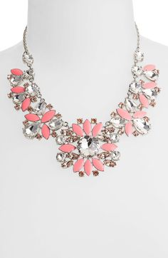 Frosty Floral Short Bib Necklace