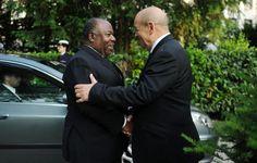 Ali Bongo Ondimba rencontre Manuel Valls et Jean Yves le Drian