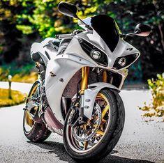 images ideas from Best Bike Yamaha R1, Yamaha Motorcycles, Custom Sport Bikes, Bike Pic, Motorcycle Wheels, Hot Bikes, Super Bikes, Instagram, Street Bikes