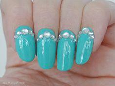 Ida-Marian kynnet / Tuquoise polish and rhinestones / #Nails #Nailart