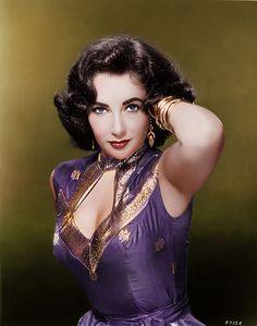 ELIZABETH TAYLOR 50s color photo print ad portrait movie star glam Ethnic Asian Indian silk dress gold purple