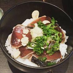 Katsuo tataki don. Seared bonito on rice. #katsuo #bonito #tataki #donburi #sexisushi #sushichef #ichini #stkilda #melbourne #japanesefood #japanesecuisine #washokulovers #foodphotography #foodporn by squidboy