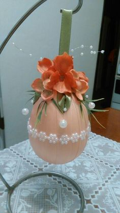 Veľkonočné vajíčko ,easter egg 2016 Easter Projects, Easter Crafts For Kids, Egg Crafts, Diy And Crafts, Egg Tree, Easter Egg Designs, Egg Decorating, Deco Table, Ribbon Crafts