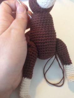 Jeg har netop lavet endnu en kb abe, jeg har taget billeder undervejs, så kan i se hvordan jeg samler den. Der er helt sikkert masser af ...