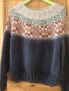 Ravelry: Project Gallery for Genser med skjærgårdsmønster pattern by Dorthe Skappel Fair Isle Knitting, Knitting Yarn, Hand Knitting, Knitting Patterns, Icelandic Sweaters, Pulls, Knits, Knitwear, Knit Crochet