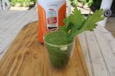 INGREDIENTS 25g baby kale 10g rocket lettuce 60g green pear, 2cm diced 50g cucumber, 2cm diced 20g celery, 2cm diced 1 tbsp mint leaves 1 tsp honey 150ml apple juice 100ml filtered water 2 tsp chia seeds DIRECTIONS Place the kale, rocket, pear, cucumber, celery, mint, honey, apple juice and water into the large personal blending jug; securely seal&...