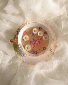Flower Aesthetic, Aesthetic Food, Aesthetic Vintage, Think Food, Flower Tea, Cafe Food, Food Food, Pretty Pictures, Aesthetic Pictures