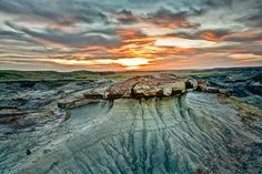The badlands at Avonlea are a beautifully sculpted example of these outstanding desert-like formations. Ken Dalgarno captures their arid grandeur in photos.