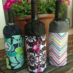 CUTE GIFT for Wine Lovers! - The Thirty-one Bring-A-Bottle Thermal is the PERFECT Gift to give to all Your Friends that Loves Wine! Such a cute way to give a nice bottle of wine to your friends when is paired up with the 31 Bring-A-Bottle Thermal!