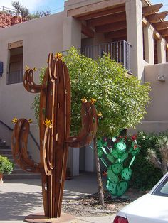 cactus sculpture in Sedona by Martin LaBar, via Flickr