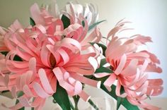 Paper Flower Tutorial - looks complicated but it's easy, anyone can do it. :-)