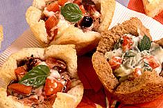 These tomato-basil appetizers are delicious straight from the oven. Made from on-hand ingredients, these toasted bread cups are easy to pull together. Great Appetizers, Appetizer Recipes, What's Cooking, Cooking Recipes, Crab Rangoon Recipe, Homemade Pastries, Bread Salad, Bruschetta Recipe, Spinach And Feta