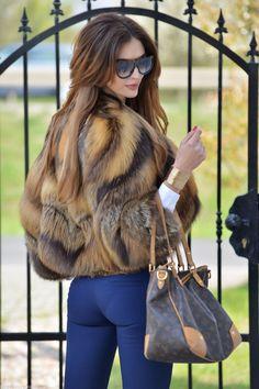 Pinterest: IVoRYBlaCkk ✔ https://pinterest.com/IVoRYBlaCkk/ #Fur #Fox #Foxcoat Cross fox fur jacket