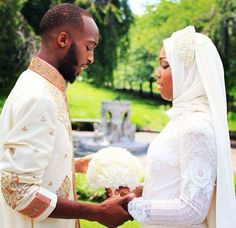 This collection of 200 Most Romantic Muslim Couples Islamic Wedding Pictures will amaze you with how romantic the bride and groom can look for their Islamic wedding. Muslim Couple Quotes, Marriage Couple, Muslim Couples, Muslim Women, Muslim Girls, Muslim Couple Photography, Wedding Photography, Photography Couples, Niqab