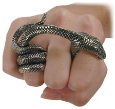 Hissed off ring!!! Gotta have this! ❤