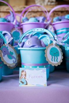 Amazing Ideas for a Beautiful Mermaid Birthday Party! Style a beautiful under the sea birthday with gorgeous mermaid party ideas. These mermaid party food ideas Mermaid Party Favors, Mermaid Theme Birthday, Little Mermaid Birthday, Little Mermaid Parties, Girl First Birthday, Frozen Birthday, Party Fiesta, Luau Party, Kids Party Themes