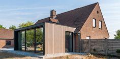 WONING WG | Trant Architecten Dream House Exterior, Dream House Plans, Modern House Plans, Modern Houses, Cottage Extension, House Extension Design, House Design, House Cladding, Exterior Cladding