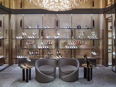 Home - Retail Focus Design Shop, Shoe Store Design, Jewelry Store Design, Retail Store Design, Shop Front Design, Shoe Shop, Handbag Display, Shoe Display, Showroom Interior Design