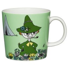 Carefree and philosophical Snufkin features this green coloured Moomin mug by Arabia. The design is from the Moomin and the Brigands in comic album