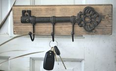 Wall Key Holder Organizer Hanger Decor Rustic Home Office Kitchen Decoration Key And Letter Holder, Wall Key Holder, Rustic Walls, Rustic Decor, Rustic Theme, Rustic Signs, Rustic Home Offices, Decoupage, Decorative Wall Hooks