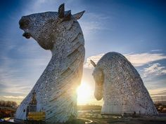 The Kelpies is an enormous installation consisting of two giant horse head sculptures by artist Andy Scott.