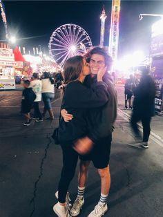 Cute Couples Photos, Cute Couple Pictures, Cute Couples Goals, Couple Photos, Teen Couples, High School Couples, Goofy Couples, Football Couples, College Couples
