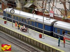 """""""Una tarde en la estación"""". Ferrocarriles españoles. Escala H0."""