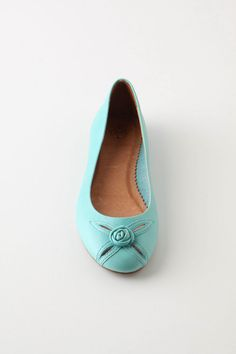 Discover unique women's flats, oxfords and slip-on shoes at Anthropologie, including the season's newest arrivals. Turquoise Wedding Shoes, Turquoise Shoes, Blue Shoes, New Shoes, Slip On Shoes, Beautiful Shoes, Pretty Shoes, Tory Burch Flats, Summer Shoes
