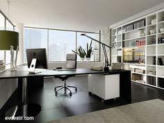 Siyah Beyaz Ofis