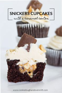 These chocolate snickers cupcakes are soft and so delicious! They're filled with a caramel that's been loaded with of peanuts and topped with a caramel swiss meringue buttercream. Best Dessert Recipes, Candy Recipes, Cupcake Recipes, Fun Desserts, Cookie Recipes, Delicious Desserts, Cupcake Ideas, Cupcake Images, Yummy Food