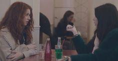 """Una nueva campaña de Dove ha salido a la luz, se trata de """"Un Pensamiento Positivo"""" en el cual varias mujeres fueron reclutadas para anotar lo que pensaban de ellas cada determinado tiempo, después de esto, se les invitó a tomar un cafe. Un grupo de actrices debió escenificar con otra persona los comentarios que ellas se hacian a ellas mismas, diciéndoselo a otra persona, ellas no podían creer lo que escuchaban, hasta que tuvieron que pedirles que pararan, pues era algo muy grosero para…"""