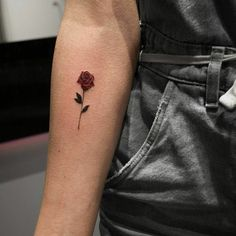 ▷ 1001 + super pretty rose tattoo ideas with strong meaning - Wolf Tattoos, Line Tattoos, Body Art Tattoos, Small Tattoos, I Tattoo, Tatoos, Future Tattoos, Tattoos For Guys, Tattoo Com Significado