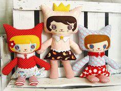 Não vou mentir, estou apaixonada por esse comeback de bonecos de pano. Quando era pequena tinha várias bon...