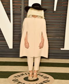 Sia Attends Oscar After Parties Sans Wig, Shows Her Face! | Cambio