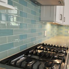 When you can't choose between two great colours- why not just choose them both? This creative take on the traditional subway pattern displays our Seaside 3x6 Glass Subway Tile and our Infinity 3X6 Glass Subway Tile.