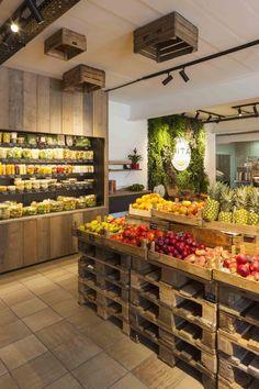 Carnicerias Ideas, Fruit And Veg Shop, Vegetable Shop, Meat Shop, Fruit Stands, Farm Shop, Shop Interiors, Farmers Market Display, Store Design