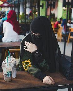 Hijab Niqab, Muslim Hijab, Mode Hijab, Niqab Fashion, Muslim Fashion, Beautiful Muslim Women, Beautiful Hijab, Girl Hijab, Hijabi Girl