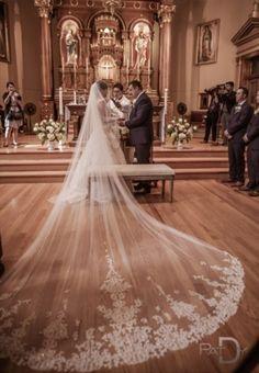 4 Meter Weiß/Elfenbein Schöne Kathedrale Länge Spitzenkante Hochzeit Brautschleier Mit Kamm Lange Brautschleier Voile Mariage