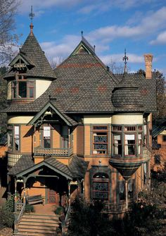 CertainTeed composition shingles mimic slate on a house in Wisconsin.