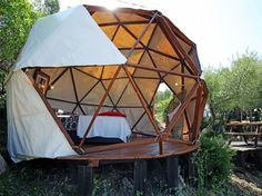 11 Offbeat Airbnb Rentals, From Covered Wagons to Castles : Condé Nast Traveler
