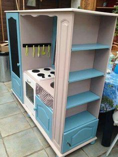 Turn an old cabinet into a kids diner lifehacks pinterest diy for kids diy kids kitchen kids toys playhouses kids furniture playroom voici toddler rooms diy meuble baby doll house kids wood felt toys solutioingenieria Gallery