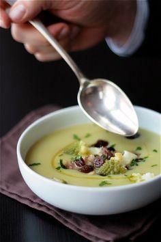cauliflowers roman cheese soups in nature garlic onions bud something ...